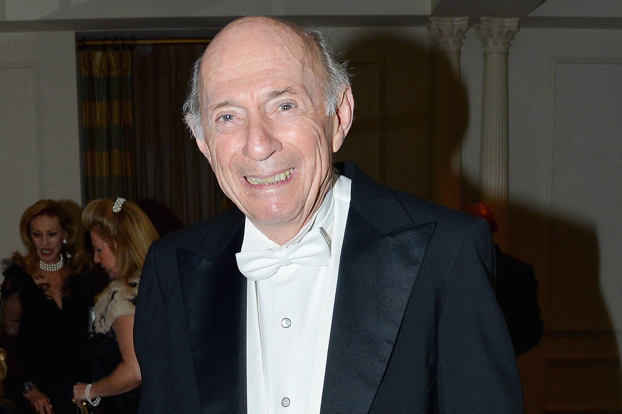 Wealthy 89-Year-Old Sweet'N Low CEO Jumps to His Death from New York City Apartment