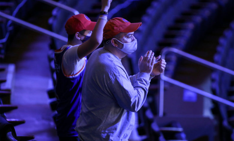 There were 2000 Knicks fans in attendance Tuesday night. tvWB9Wnow-trending