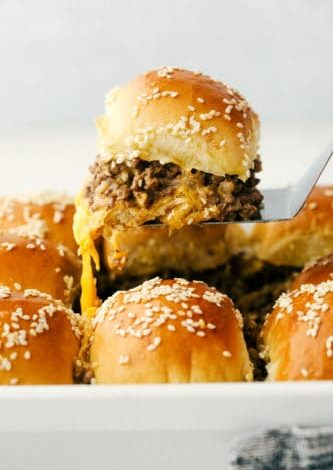 cheeseburgersliders 333x500 yW8JI6now-trending