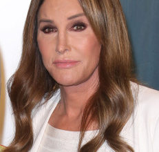 caitlyn jenner immigration 743 isbD1wnow-trending