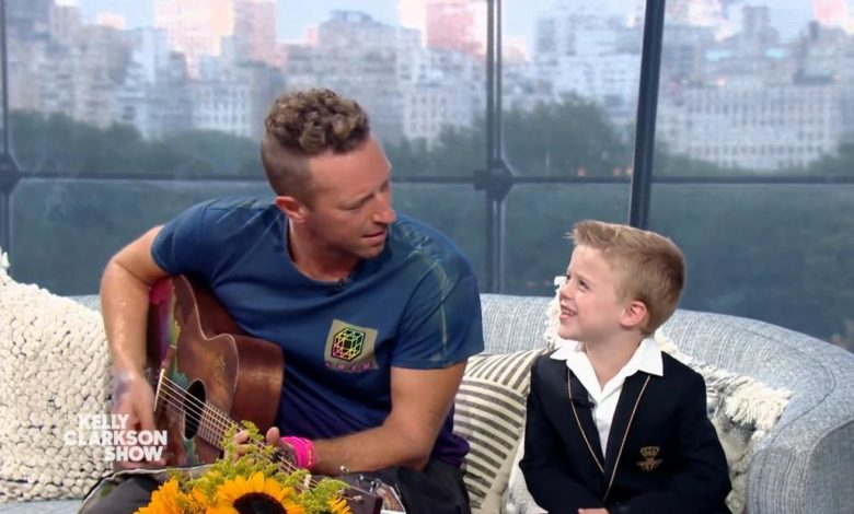 210914095021 kelly clarkson son interrupts coldplay song 1 super 169 2g4HxMnow-trending