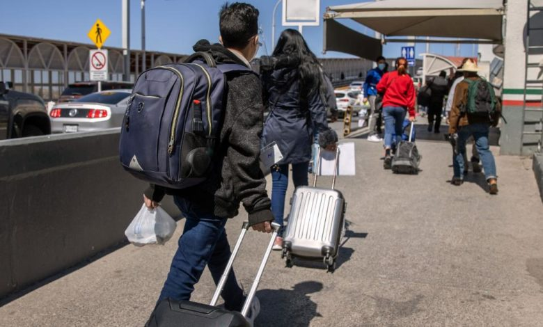 210601182005 01 asylum seekers crossing border 0317 super 169 syxhS8now-trending