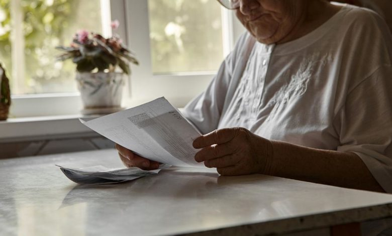 210818104047 elderly woman retiree bills stock super 169 7cRTKYnow-trending