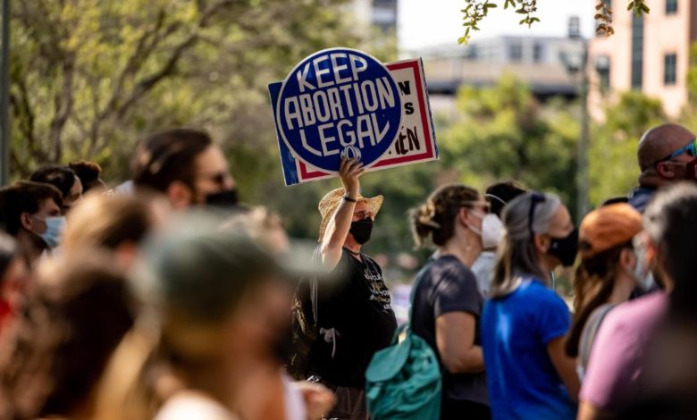 211012120208 02 texas abortion protest super 169 vziw7Anow-trending