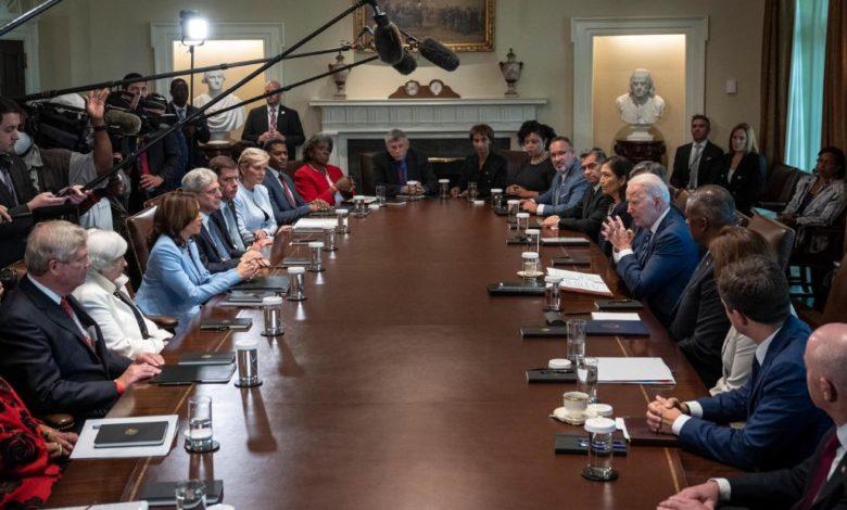 211014102838 01 biden cabinet meeting 0720 super 169 3qpy8Onow-trending
